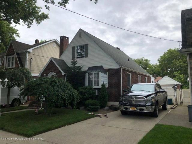 3 BR,  1.50 BTH  Cape style home in New Dorp