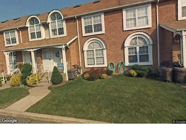 3 BR,  1.00 BTH  Townhouse style home in Bulls Head