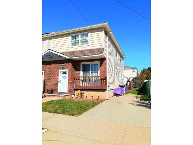 3 BR,  1.50 BTH  Colonial style home in Eltingville
